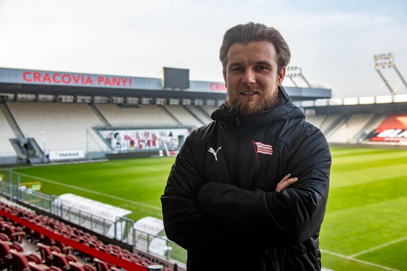 Filip Kliber codziennie pracuje na stadionie Cracovii. Fot. Krzysztof Kalinowski/LoveKraków.pl