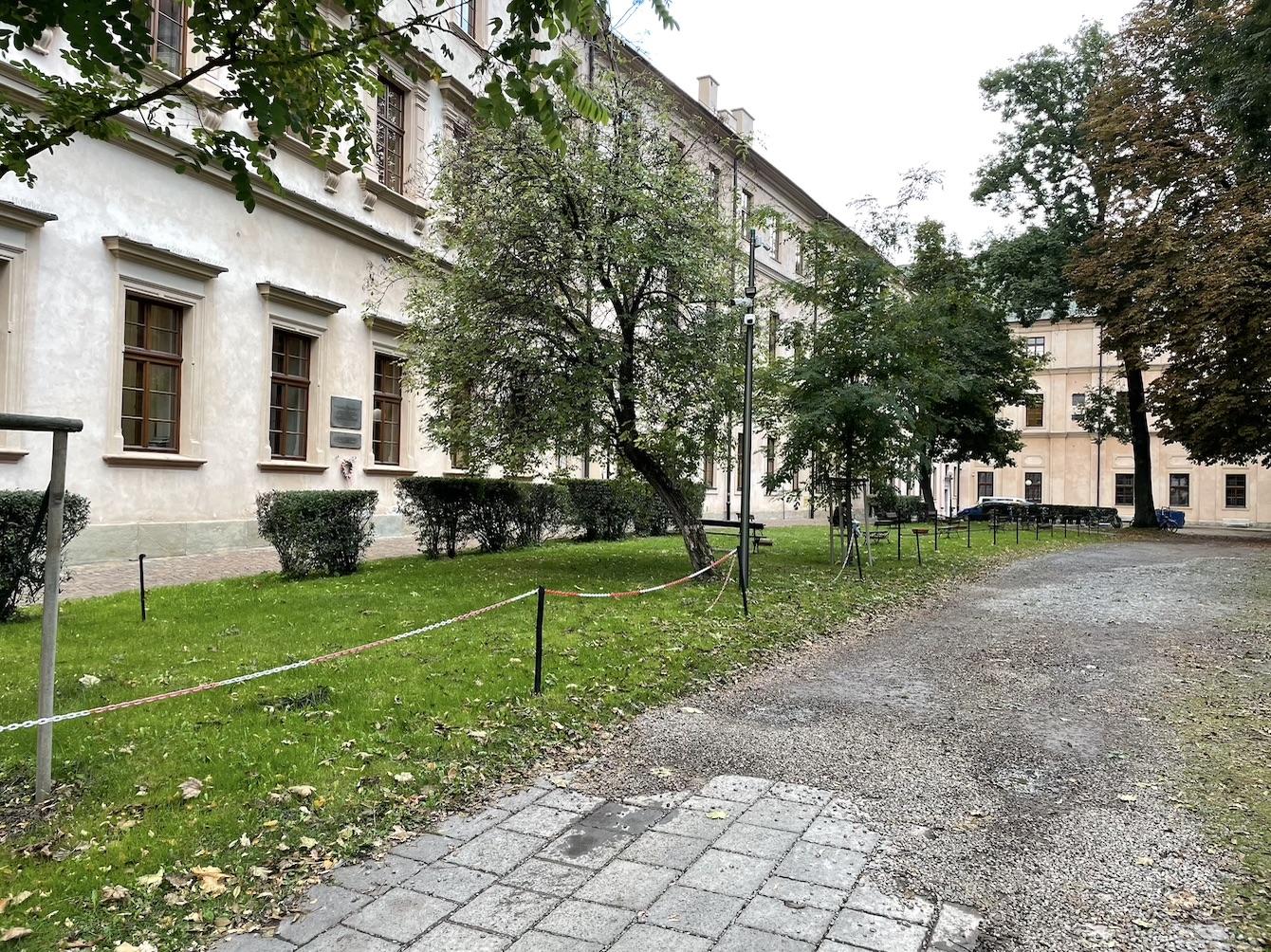 Pomnik ks. Piotra Skargi miałby zostać ustawiony pomiędzy budynkiem UJ a kościołem św. Piotra i Pawła